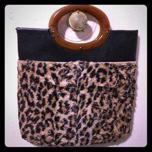 Handbags - 🎄Beautiful Vintage Bag 🎁